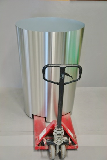Stainless steel planter including recess for pallet truck and machine